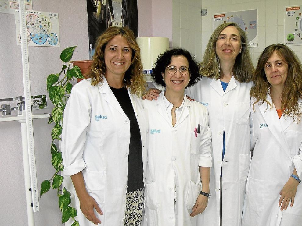 Luisa Lozano –la segunda por la izquierda– con algunas compañeras del estudio.