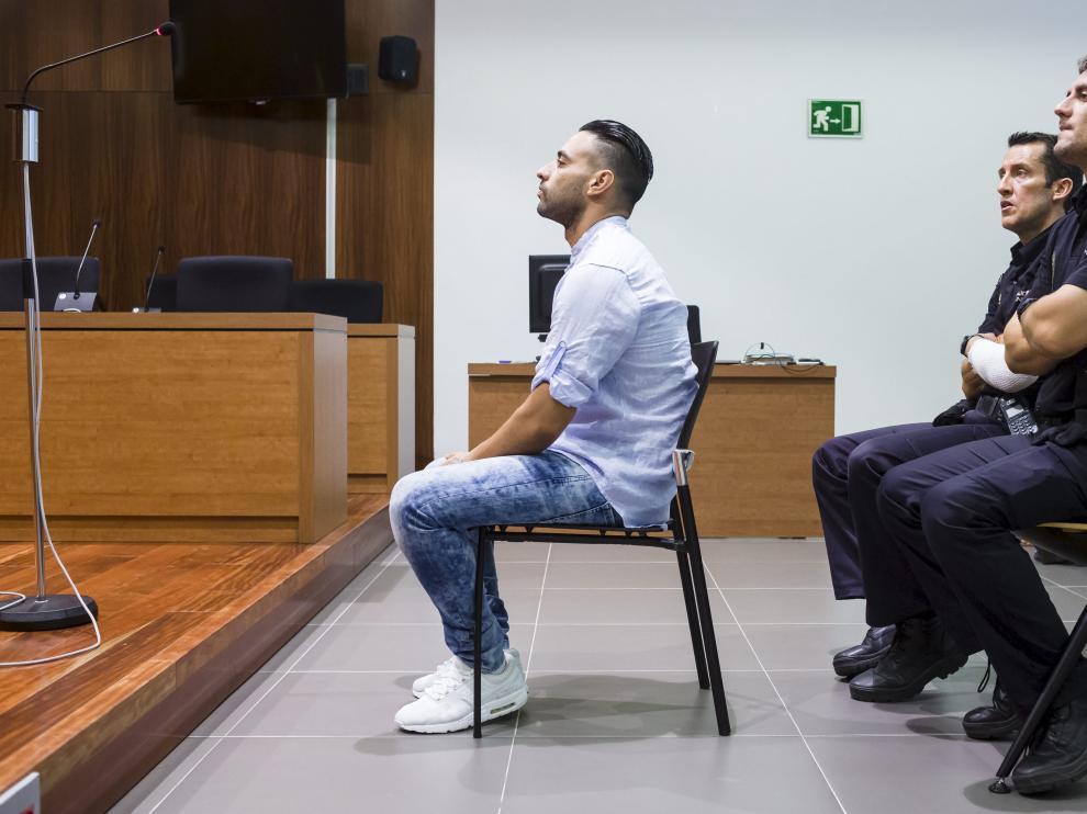 Mikel Muñoz, durante la vista oral celebrada ayer en la Audiencia Provincial de Zaragoza.