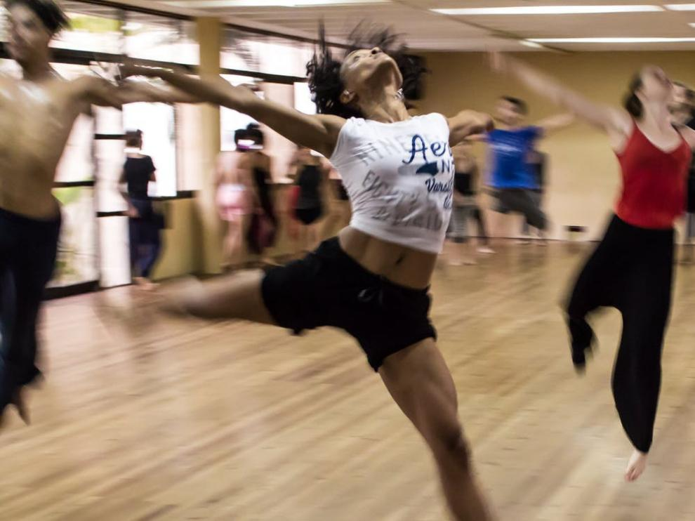Entre otros beneficios, el baile ayuda a mejorar la concentración y la disciplina.