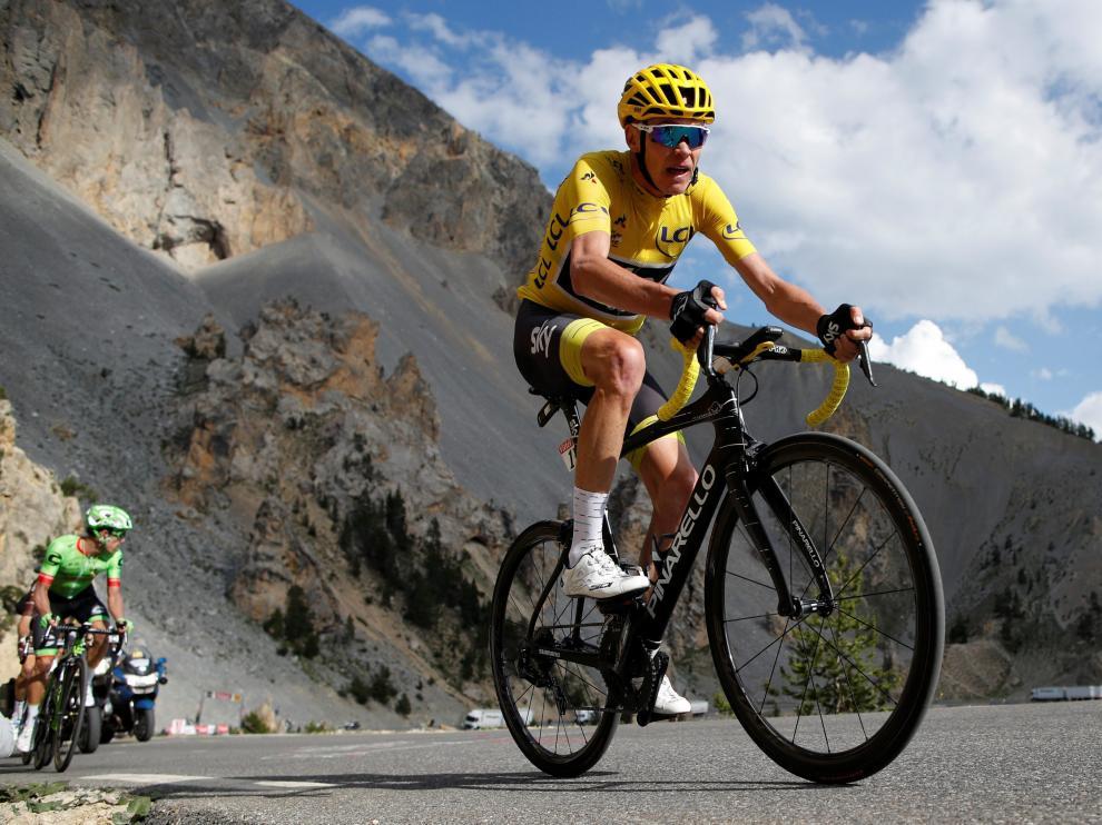 Chris Froome (Sky) mantiene el maillot amarillo.