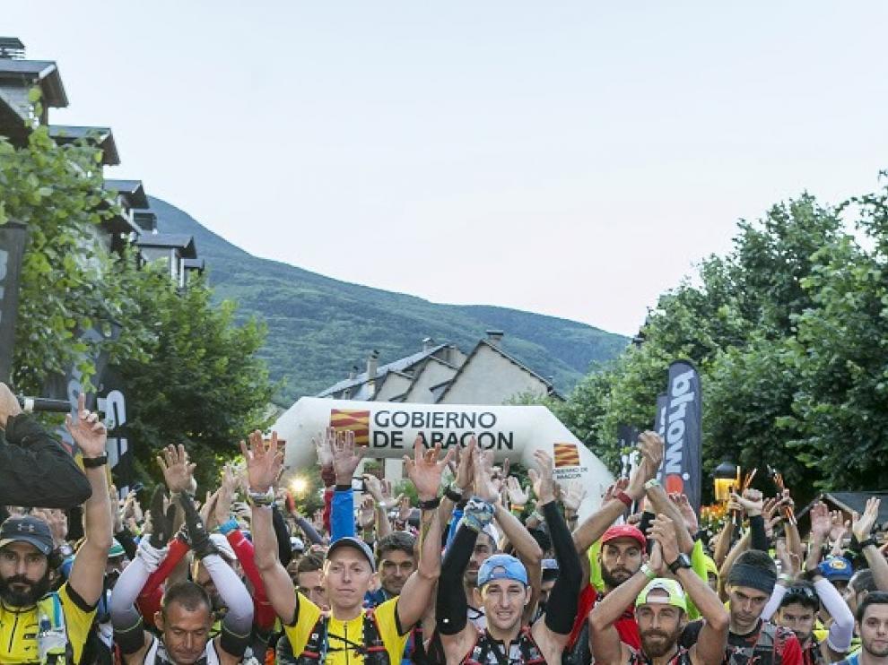 Salida de la carrera Vuelta al Aneto de 2016.