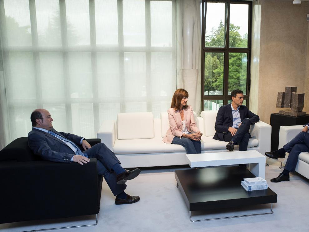 Reunión mantenida entre los dirigentes de PSOE y PNV