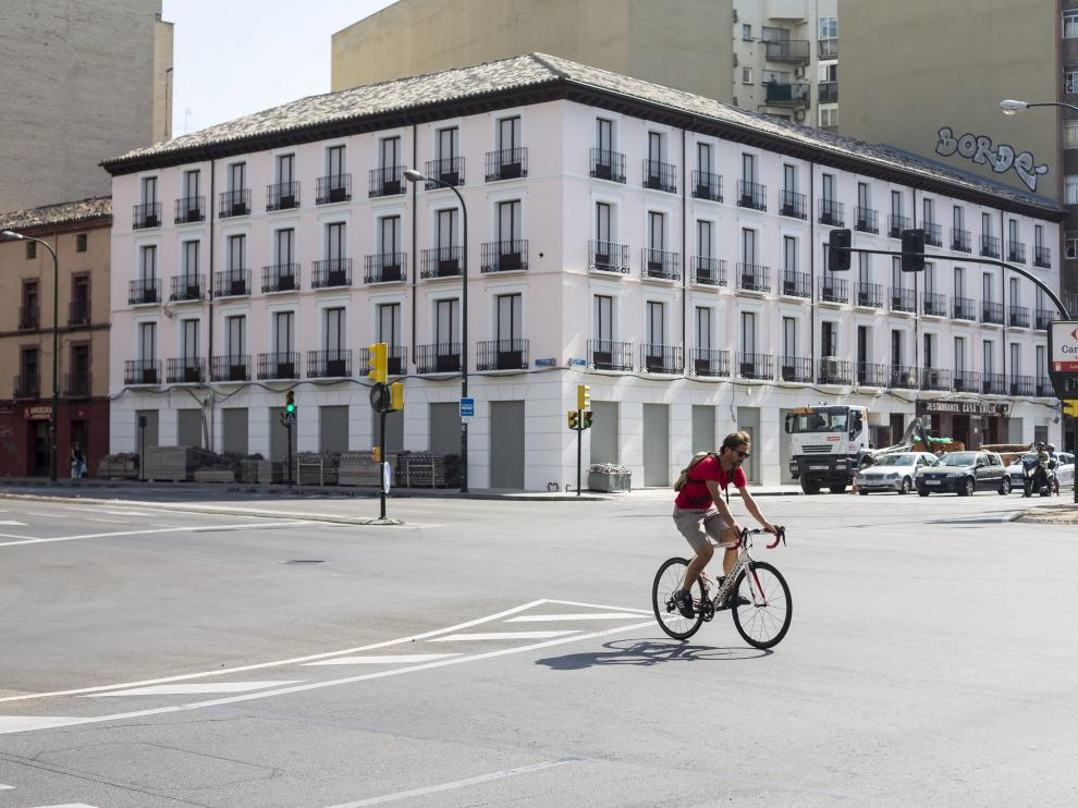 La fachada del inmueble ubicado entre el Paseo María Agustín y la Avenida Madrid.
