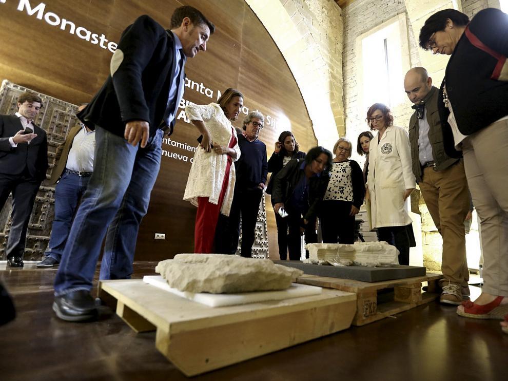 Una colección a medias. El 27 de julio de 2016 llegaron a Sijena 51 de las 53 piezas que se encontraban en el Museo Nacional de Arte de Cataluña (MNAC). Cataluña alegó que dos se habían extraviado y que desconocía su paradero. Después de la recepción y análisis de los bienes, estos se exhiben en los antiguos dormitorios del monasterio de Sijena , que el Gobierno de Aragón rehabilitó y acondicionó.