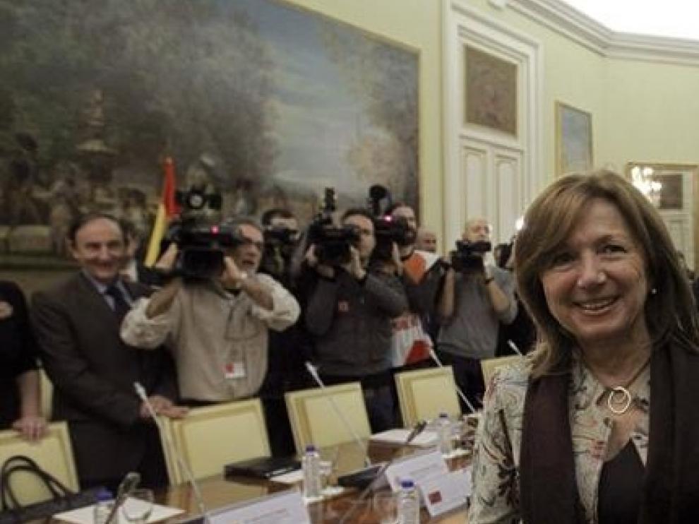 Imagen de archivo de María Jesús Mier, junto al exministro, José Ignacio Wert.