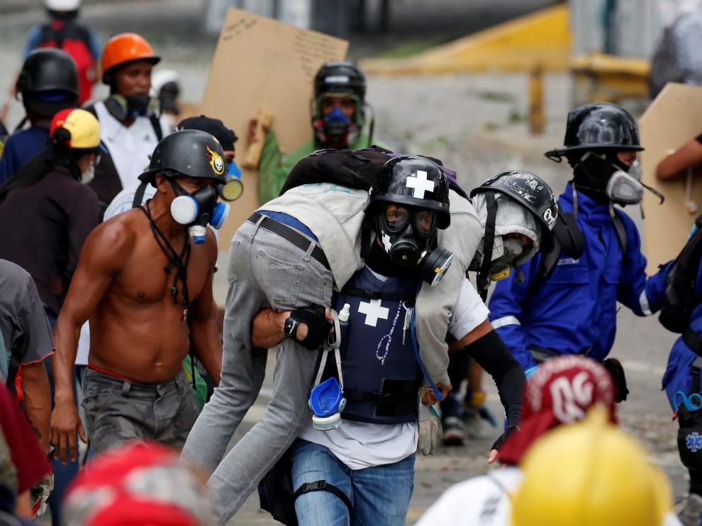 Los venezolanos han salido de nuevo este sábado a las calles de Caracas.