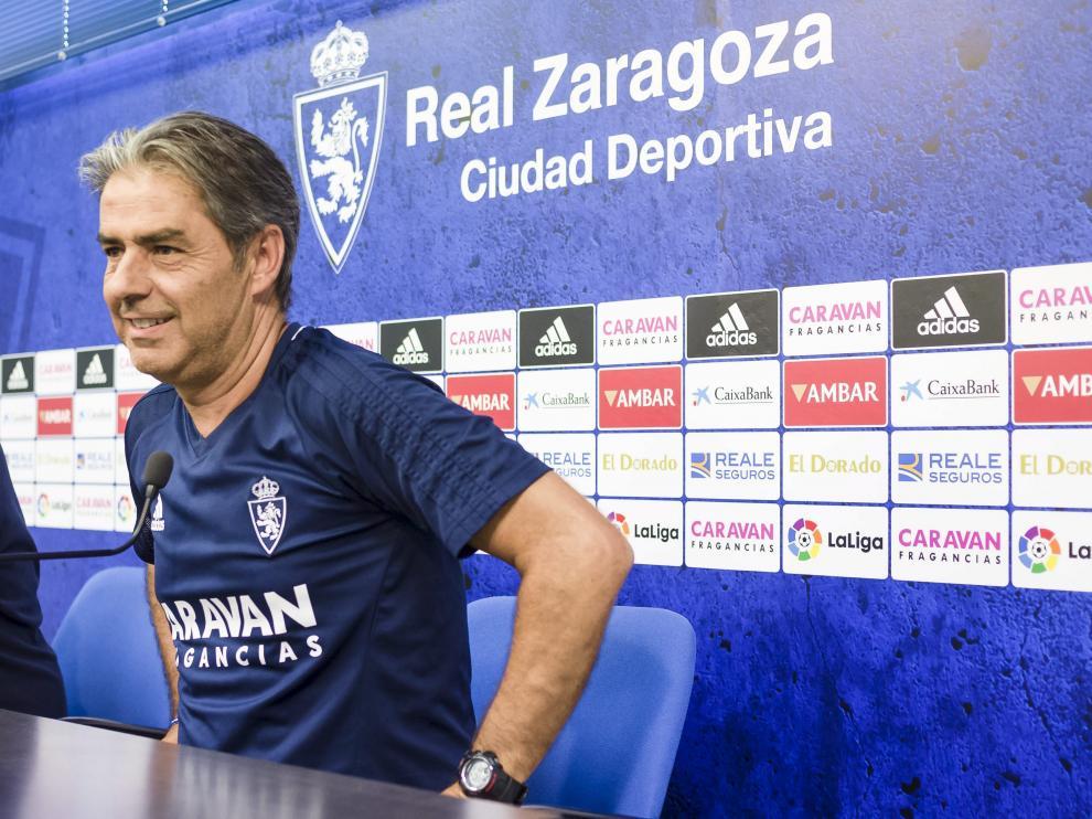 Natxo González, con una tímida sonrisa, durante su comparecencia de ayer en la Ciudad Deportiva.
