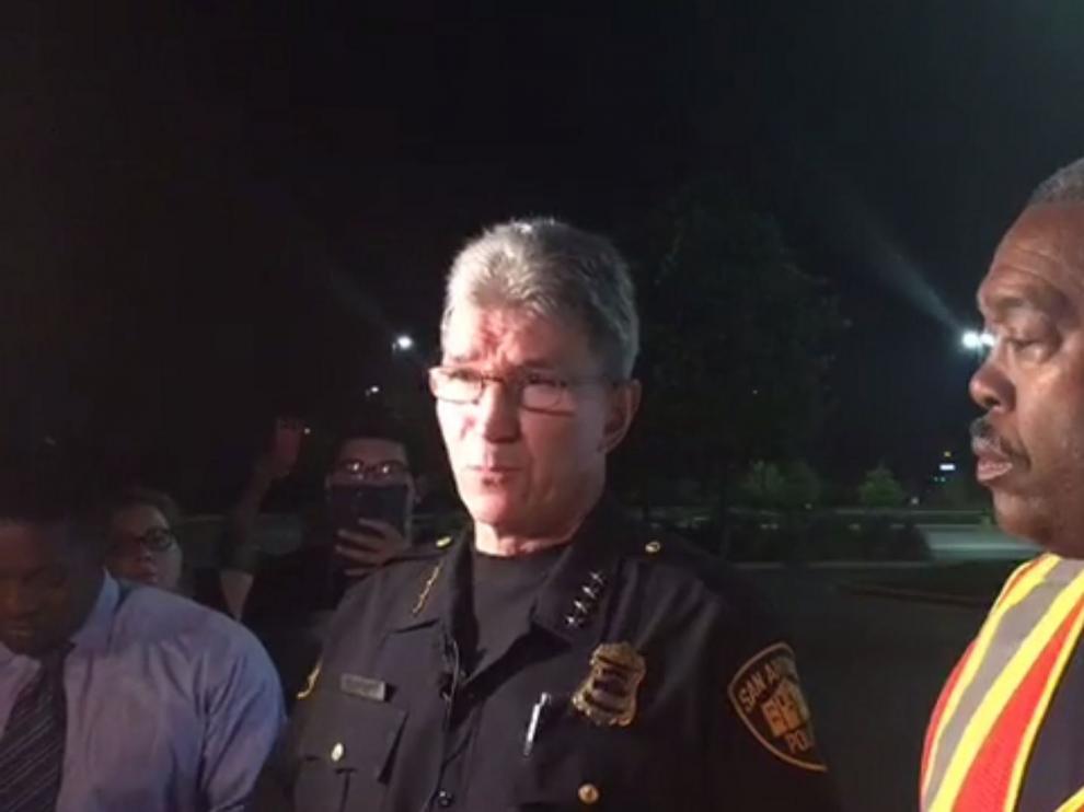 Varios de los 20 heridos hallados estarían en grave estado.