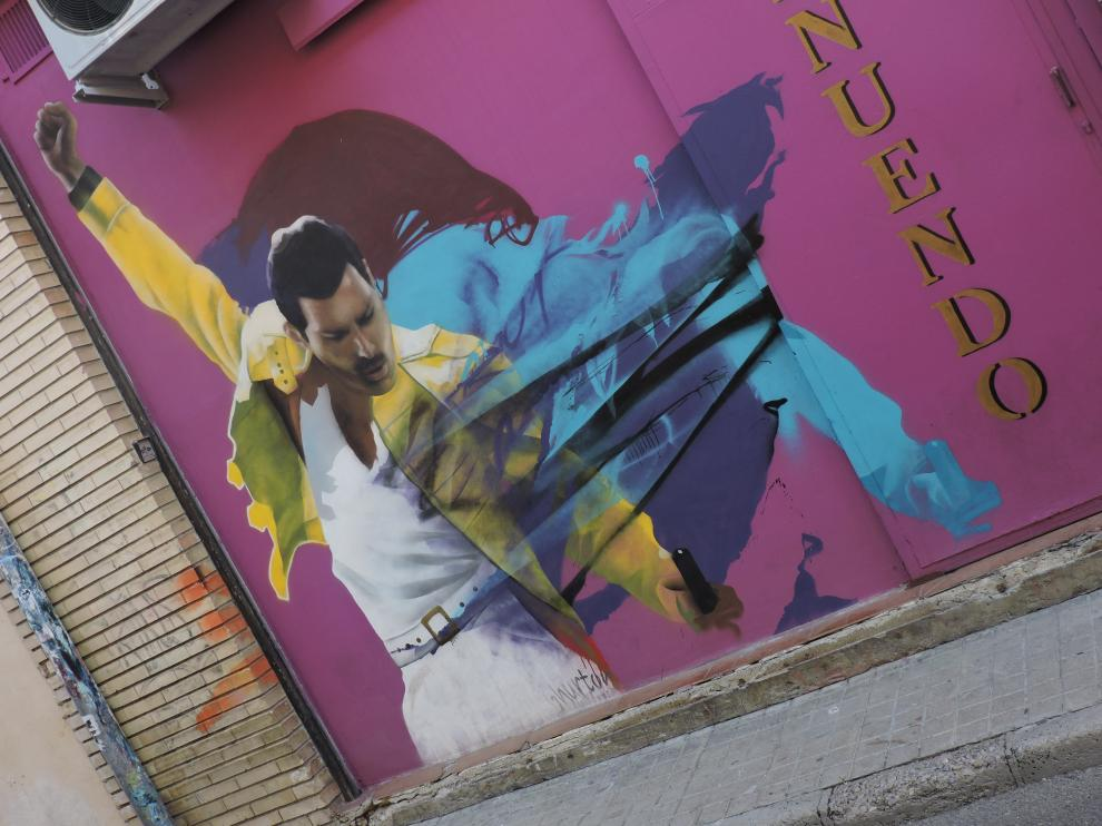 La mano que llevó a Freddie Mercury o Jimi Hendrix a las calles de Huesca