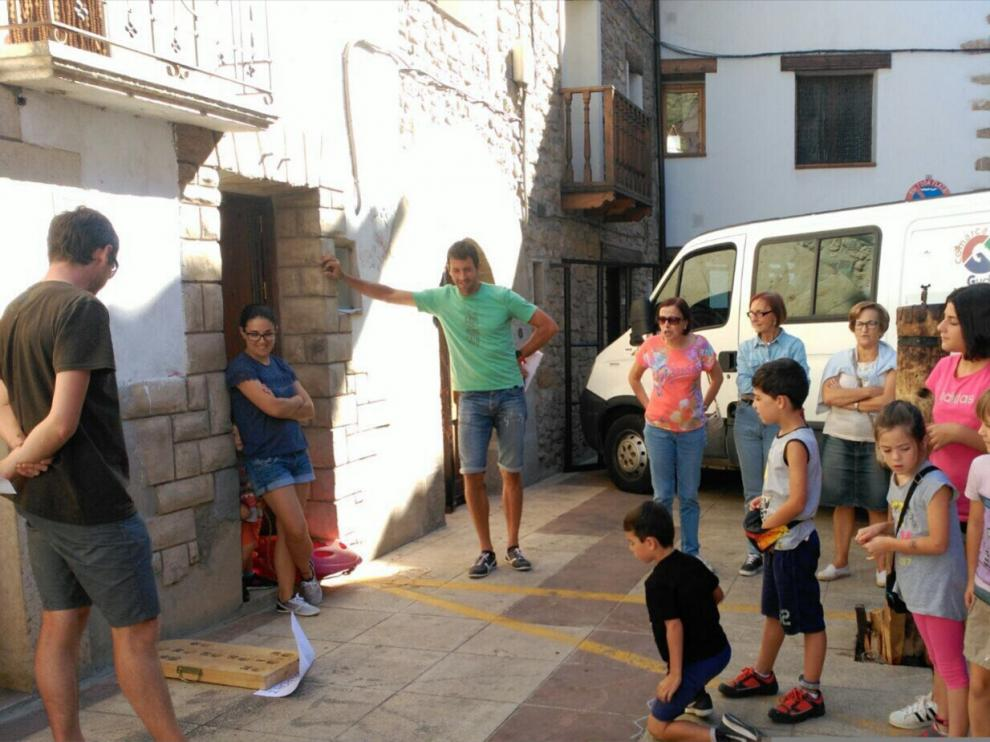 Los niños del municipio disfrutando de la tarde de juegos.