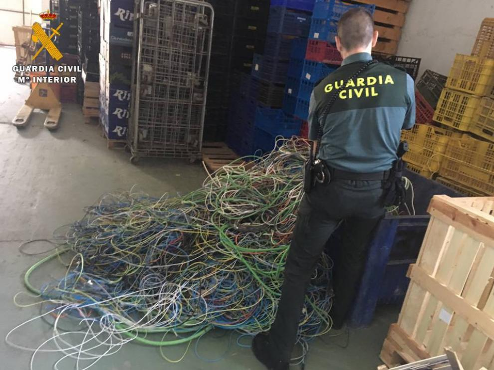 Los detenidos fueron identificados en los exteriores de un centro de recogida de residuos.