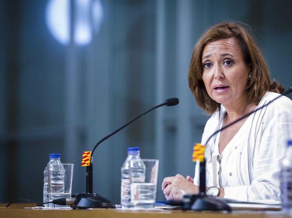 La consejera de Educación, Cultura y Deporte del Gobierno de Aragón, Mayte Pérez, en la rueda de prensa.