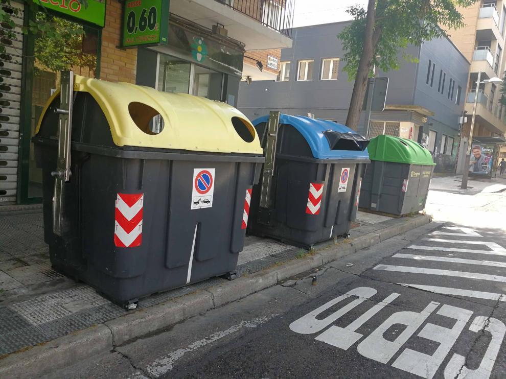 Suciedad, contenedores o baldosas generan quejas en Torrero