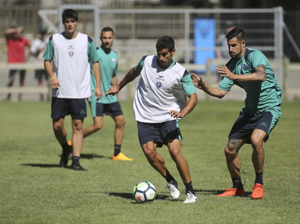El futbolista, durante un entrenamiento en Benasque