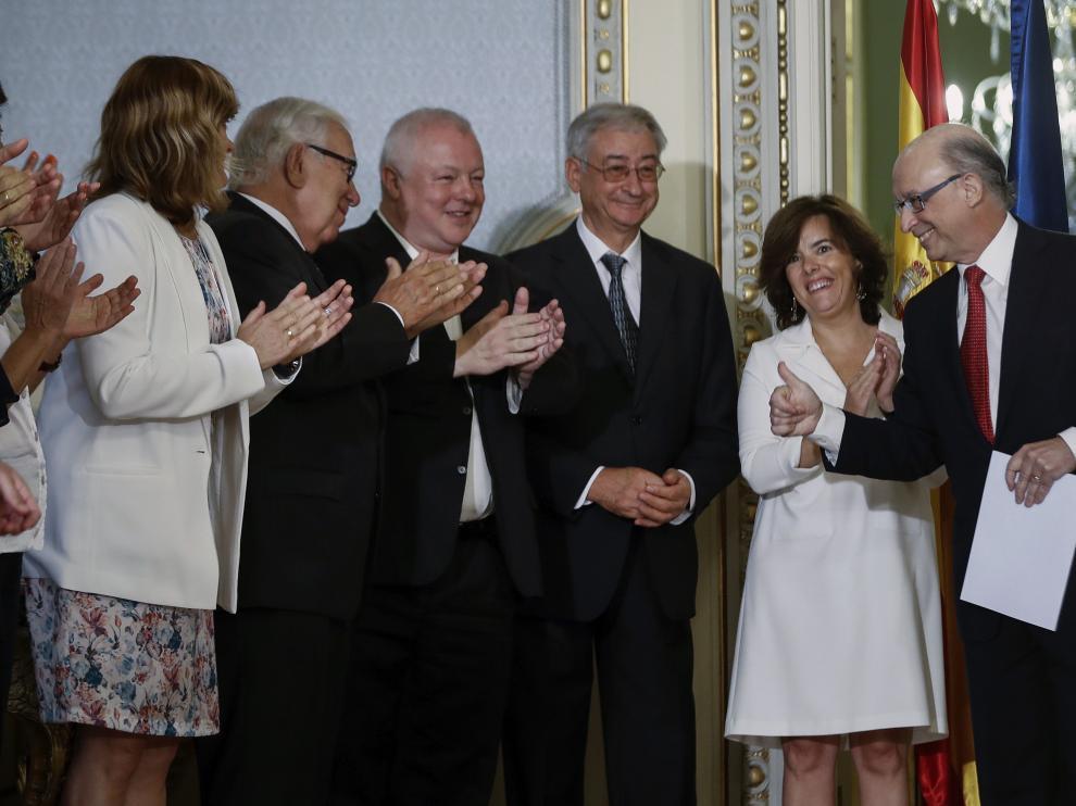 Montoro y Sáenz de Santamaría -a la derecha-, este miércoles en Madrid.