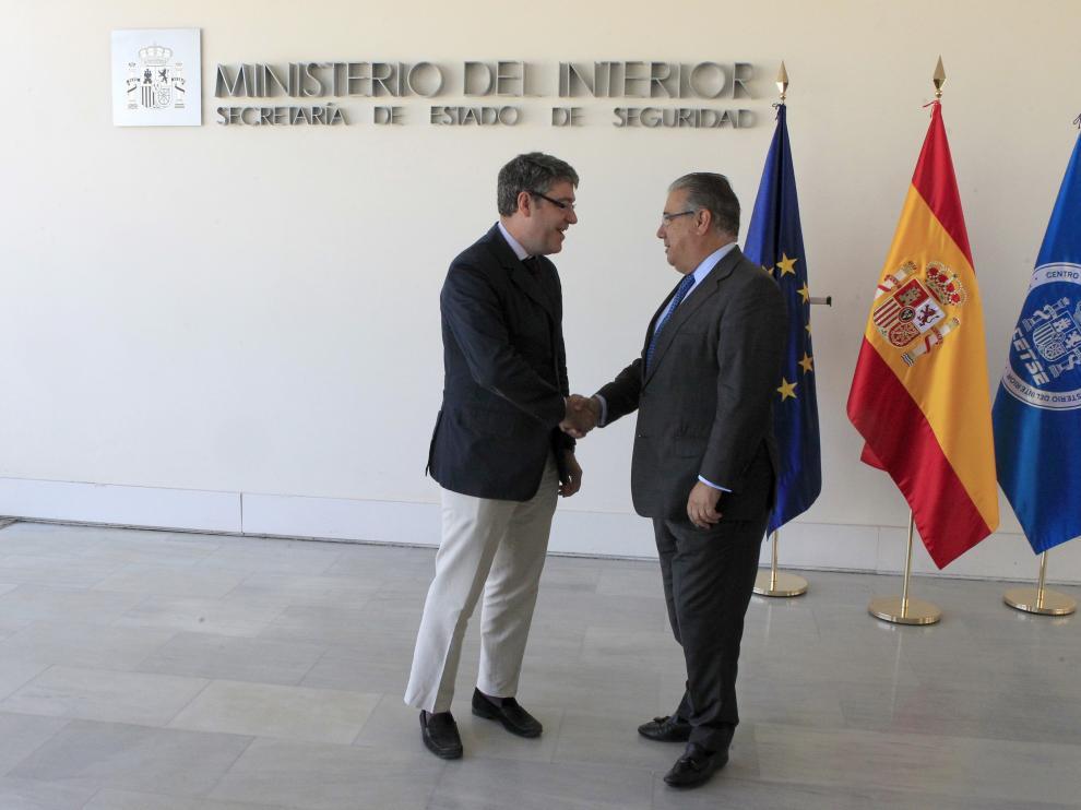 El ministro de Energía, Turismo y Agenda Digital, Álvaro Nadal, y el ministro del Interior, Juan Ignacio Zoido, a su llegada al centro tecnológico de Seguriada.