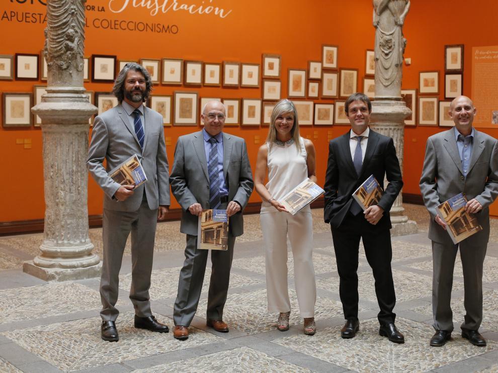 Santiago Martínez, Miguel García, Susana González, Antonio Martínez y Víctor Montuenga, en la presentación del número 62 de la revista 'Economía Aragonesa'.