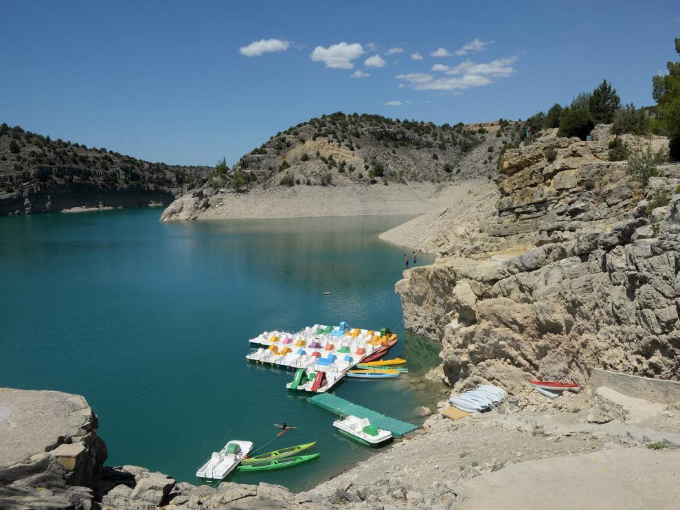 La fuerte sequía que sufre la cuenca del Guadalaviar ha rebajado el nivel de pantano del Arquillo a menos de la mitad que hace un año.