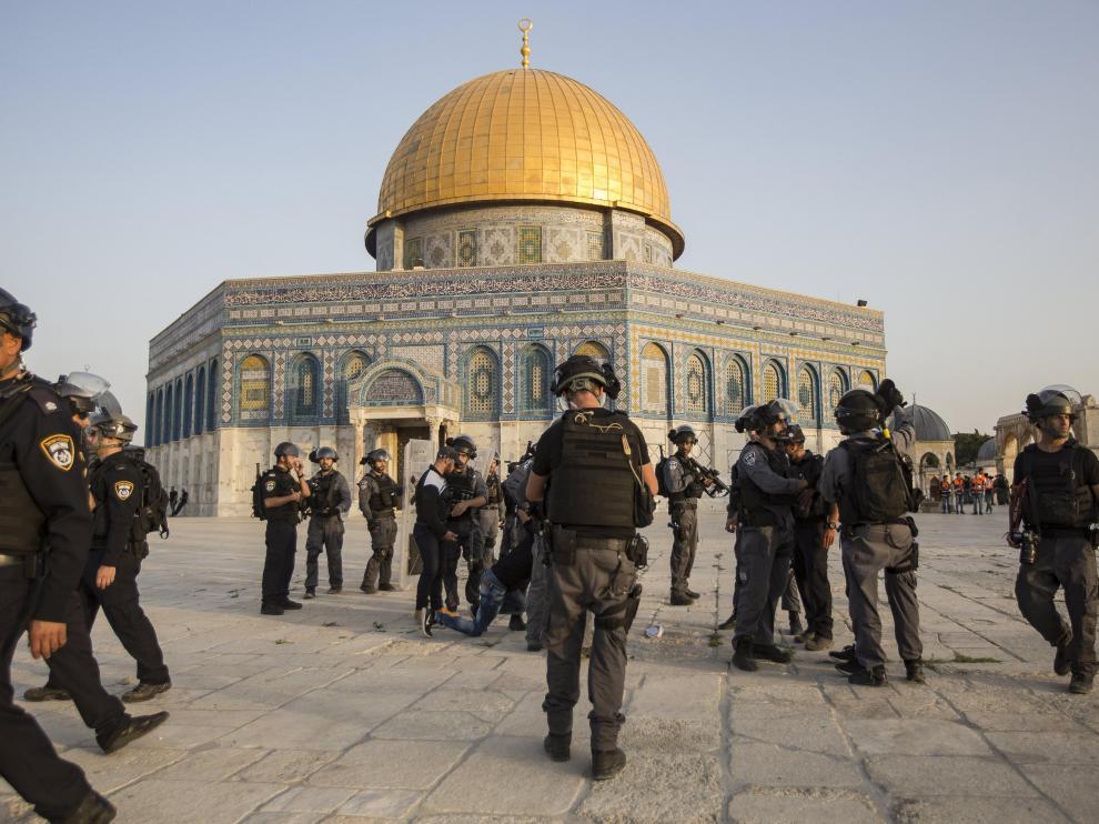 Israel ha enviado policías adicionales a Jerusalén.