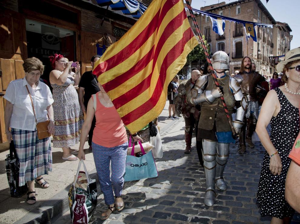 Las tropas participaron hasta en cuatro actos diferentes a lo largo de la jornada para deleite de todos los turistas y vecinos