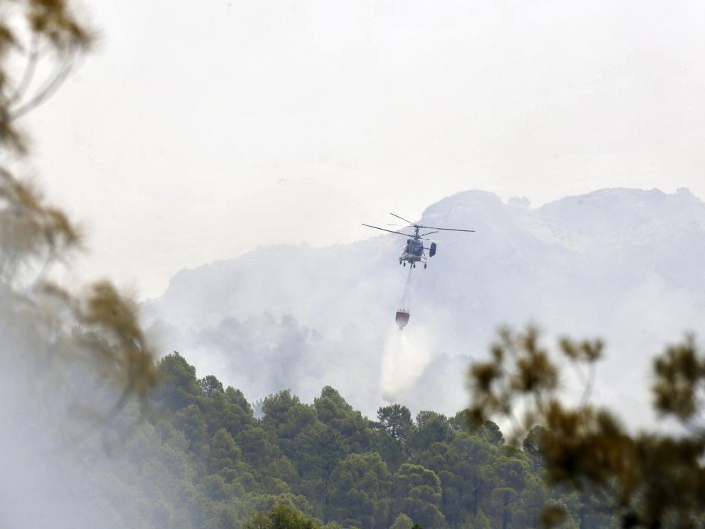 Siguen los trabajos en el incendio de Yeste, que aún no ha sido perimetrado