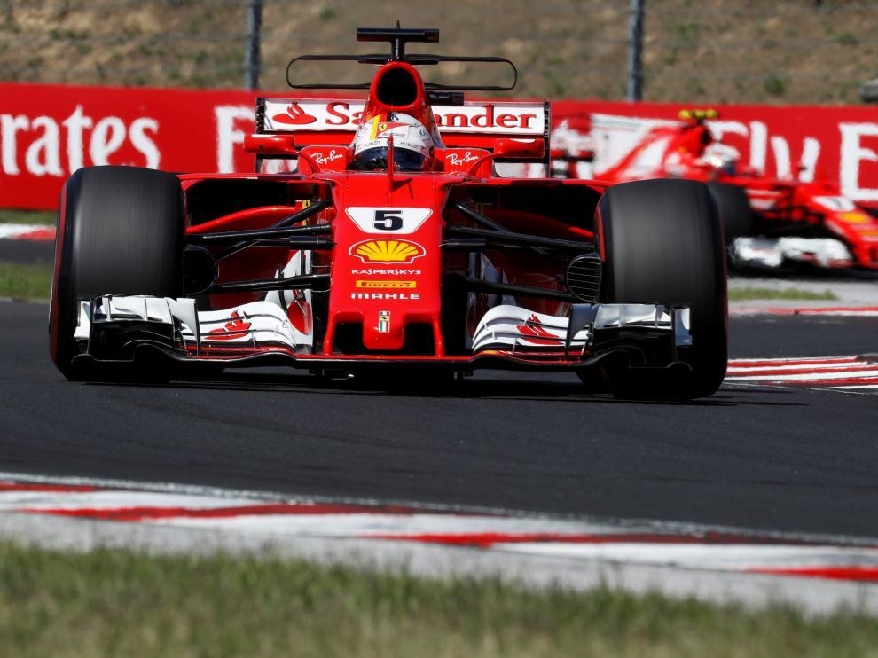 Vettel gana el Gran Premio de Hungría y retiene el liderato.