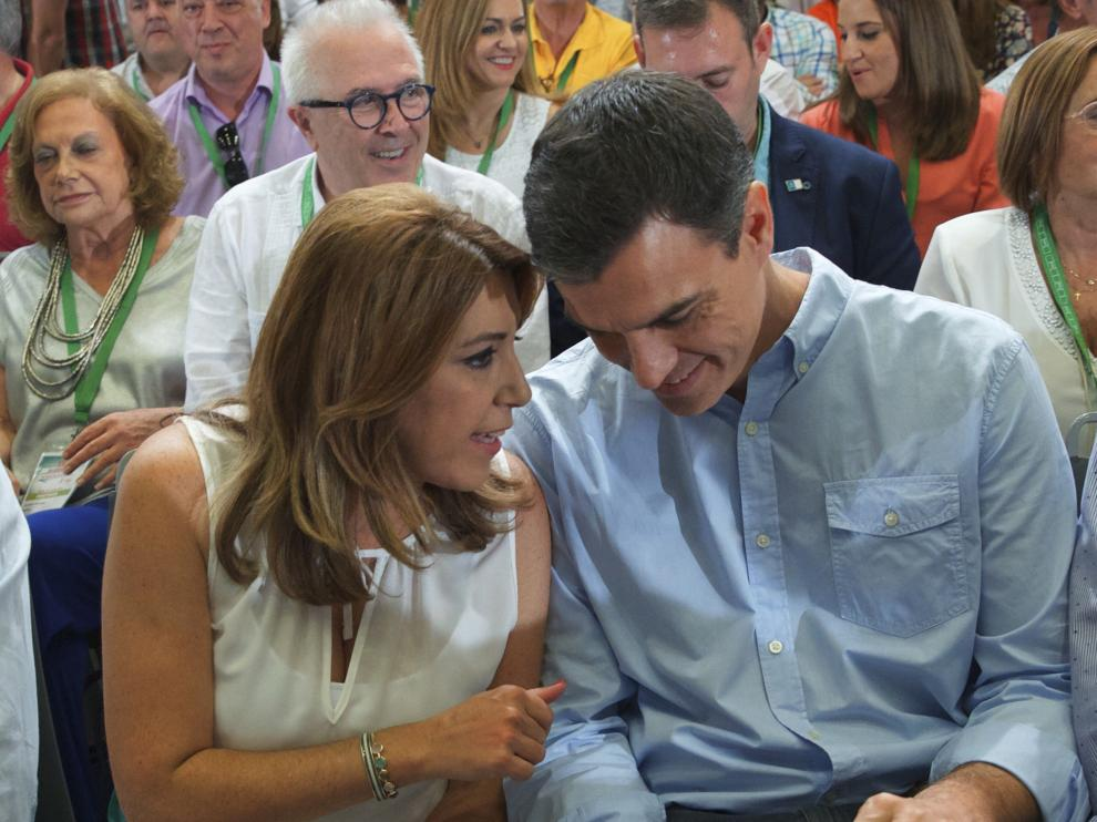 """Díaz le pide que""""nunca le haga elegir"""" entre la lealtad al PSOE y a Andalucía """"porque soy la presidenta de todos los andaluces""""."""