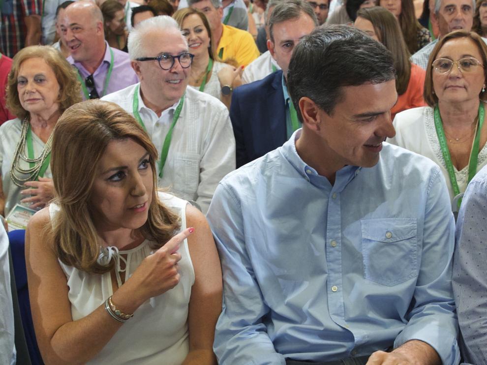"""Le pide que""""nunca le haga elegir"""" entre la lealtad al PSOE y a Andalucía """"porque soy la presidenta de todos los andaluces""""."""