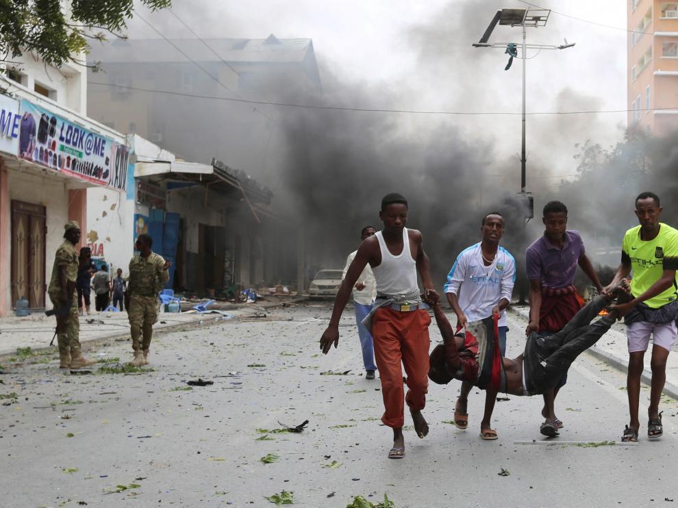 Varios heridos por un coche bomba en Somalia.