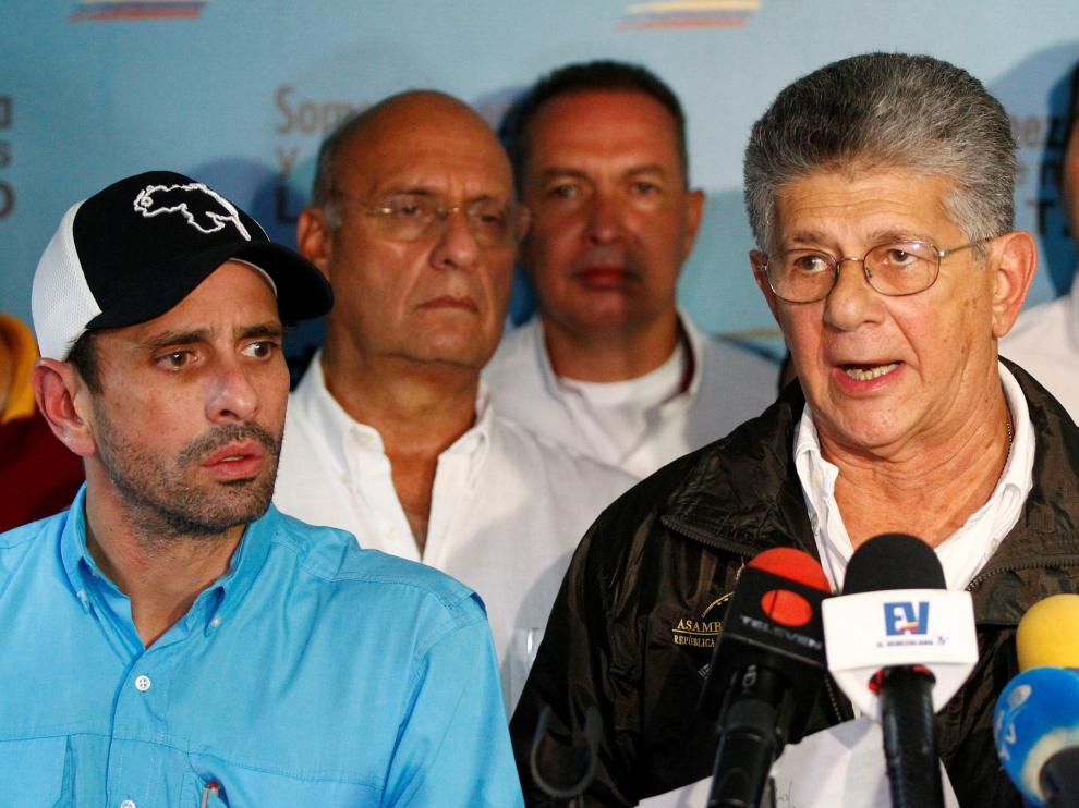 El gobernador del estado venezolano de Miranda, Henrique Capriles Radonski, y el diputado a la Asamblea Nacional, Henry Ramos Allup.