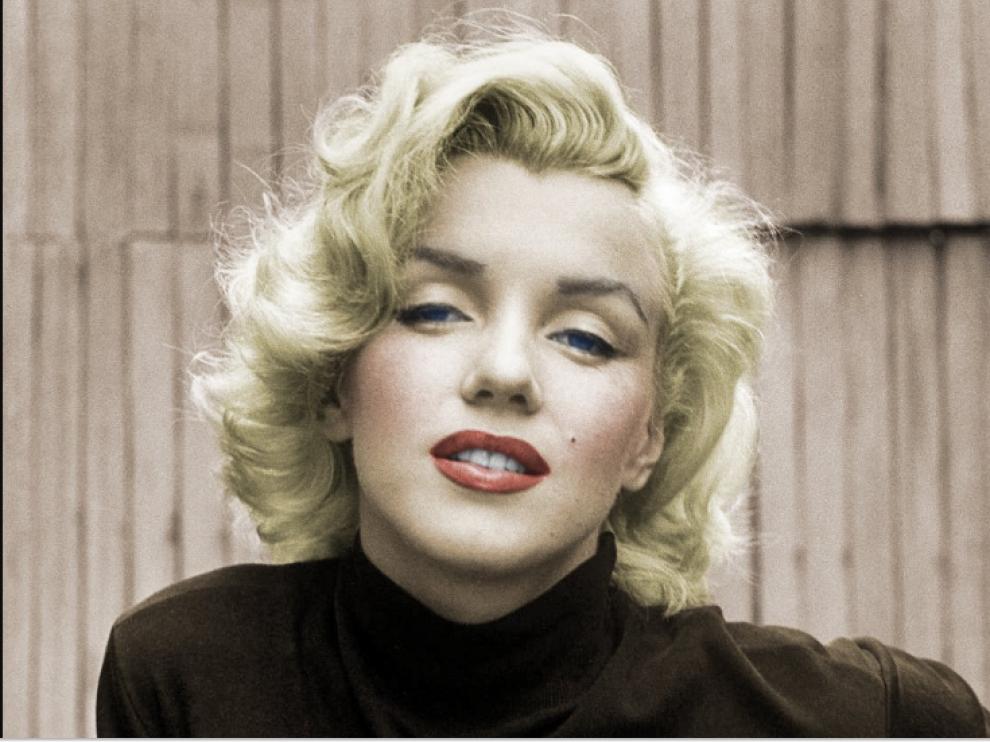 El mayor mito erótico del siglo XX murió sola en su casa de Brentwood, California.