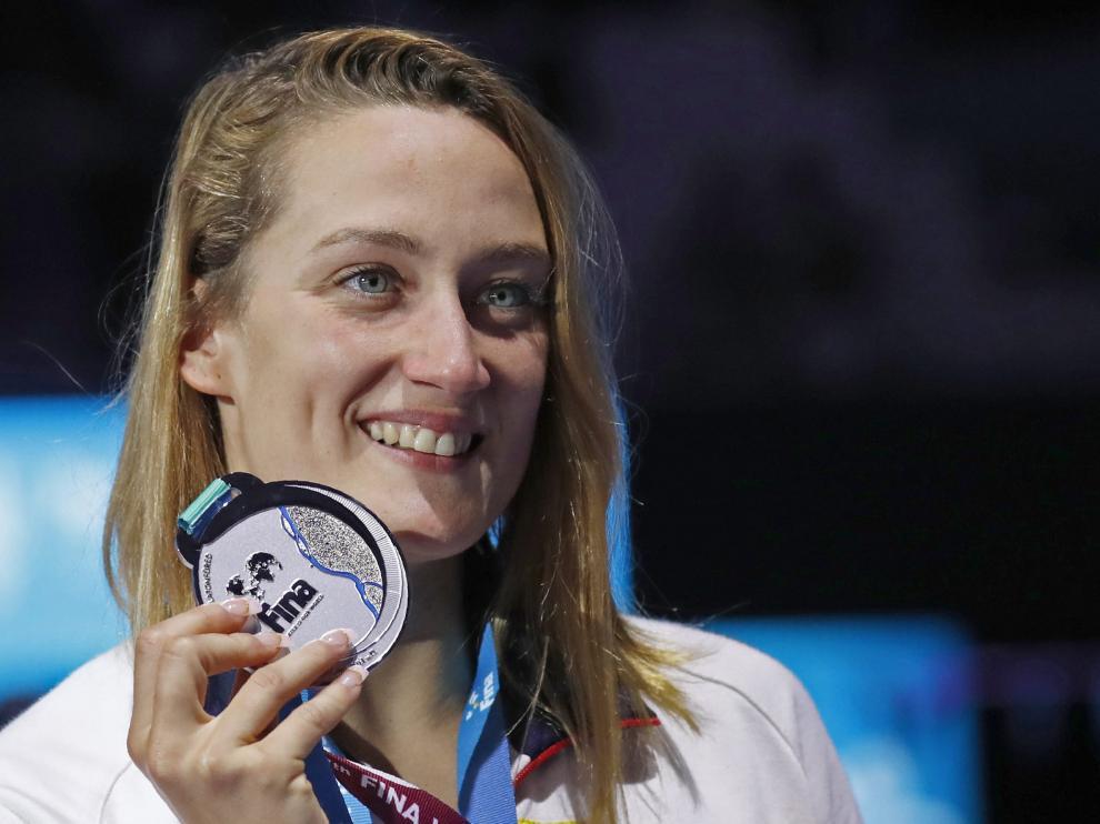 Belmonte muestra su presea de bronce, conseguida este miércoles en Moscú.