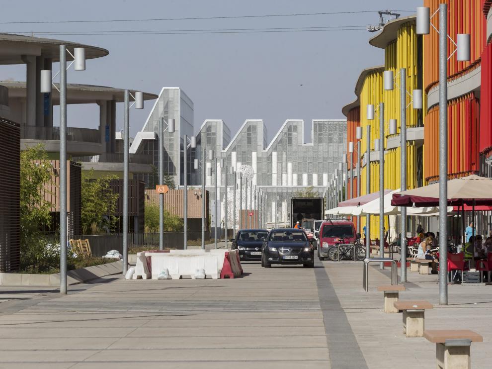 Avenida principal del parque empresarial de la Expo, ayer.