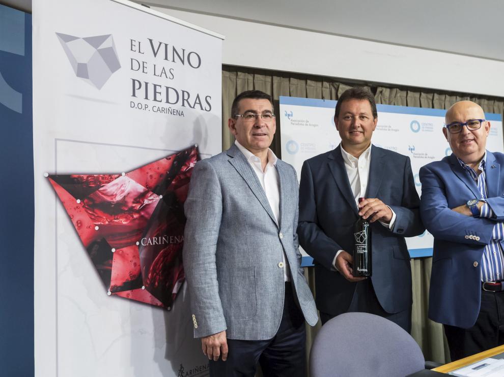 Ignacio Casamitjana –en el centro–, con Claudio Herrero –izquierda– y José Luis Palacios.