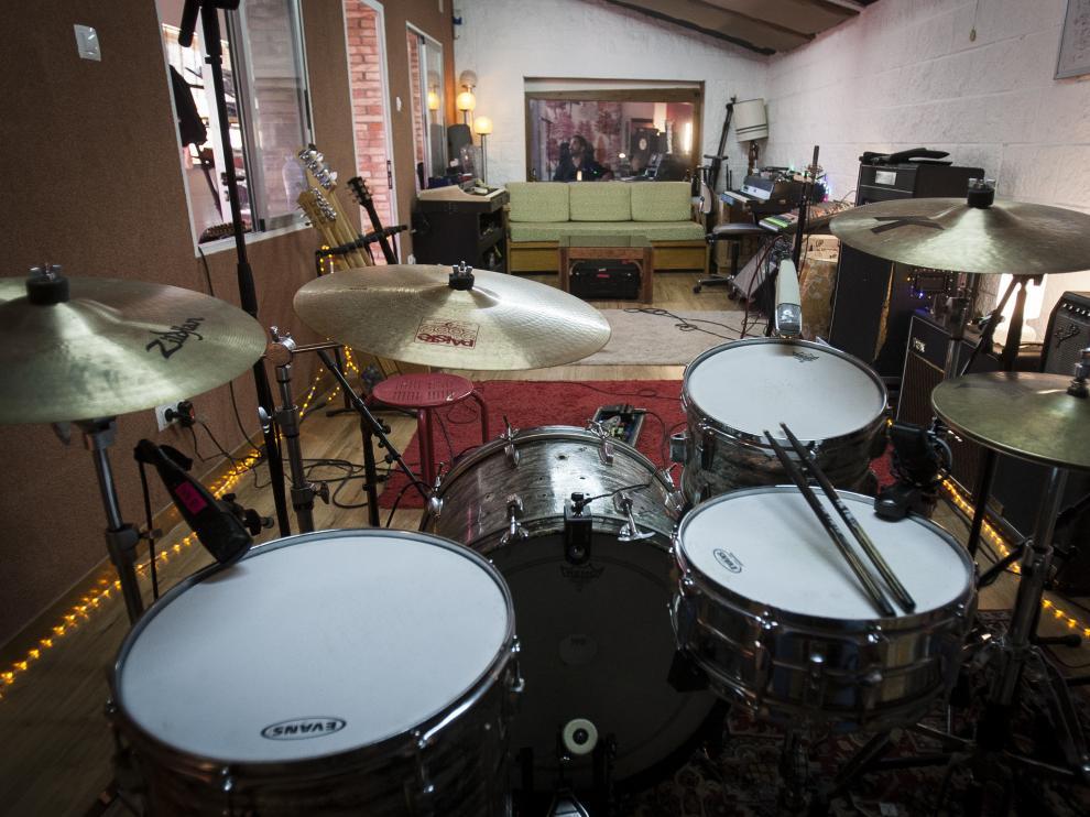 Vista del estudio El Cariño desde la silla del batería