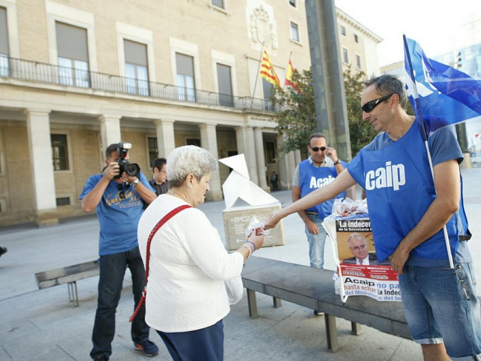 Funcionarios de prisiones regalaron chorizos en agosto en Zaragoza