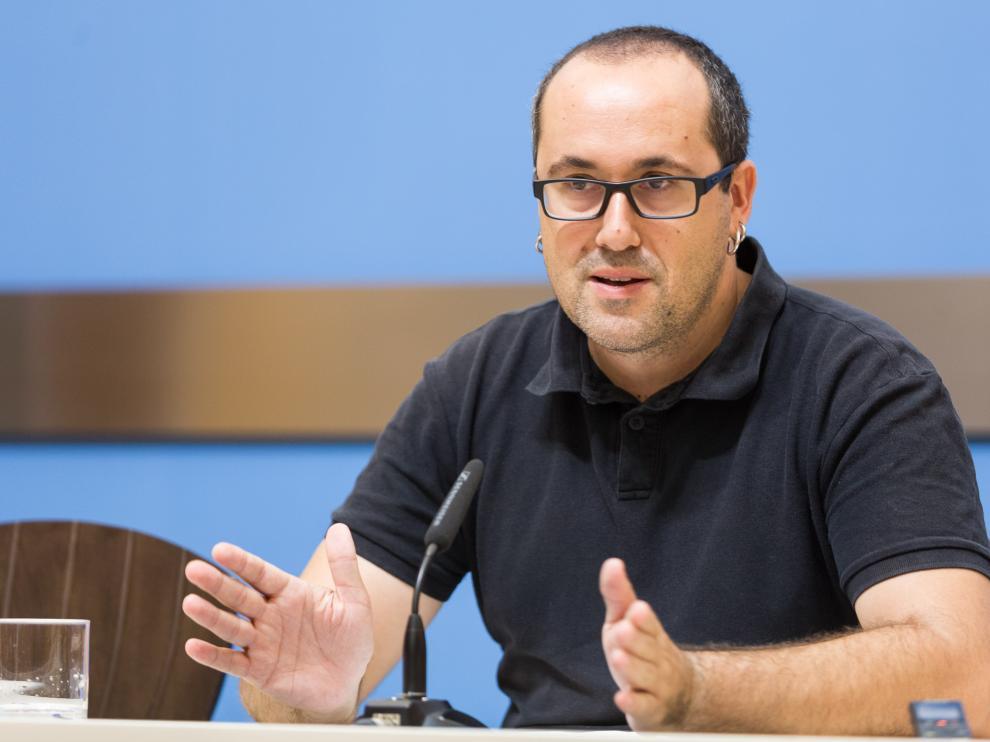 Alberto Cubero, concejal de Servicios Públicos del Ayuntamiento de Zaragoza, en una rueda de prensa anterior.