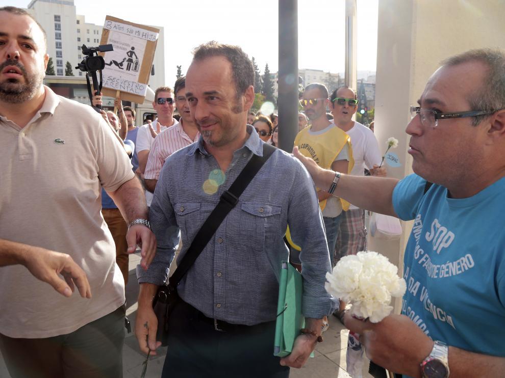 Francesco Arcuri, expareja de Juana Rivas, a su llegada al juzgado de Granada