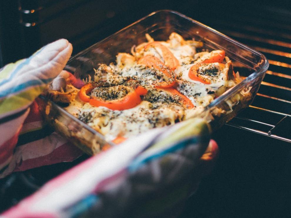 Cinco errores que cometemos en la cocina (y que no deberíamos).