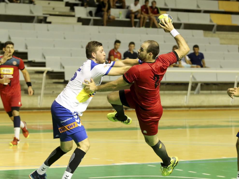 Teixeira demostró una vez más que es fundamental para el Bada, sea el partido que sea.