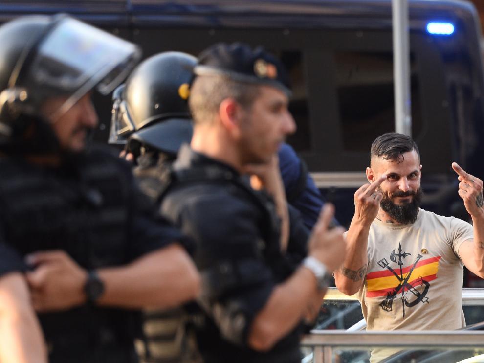 Choque entre ultraderechistas y antifascistas en Barcelona