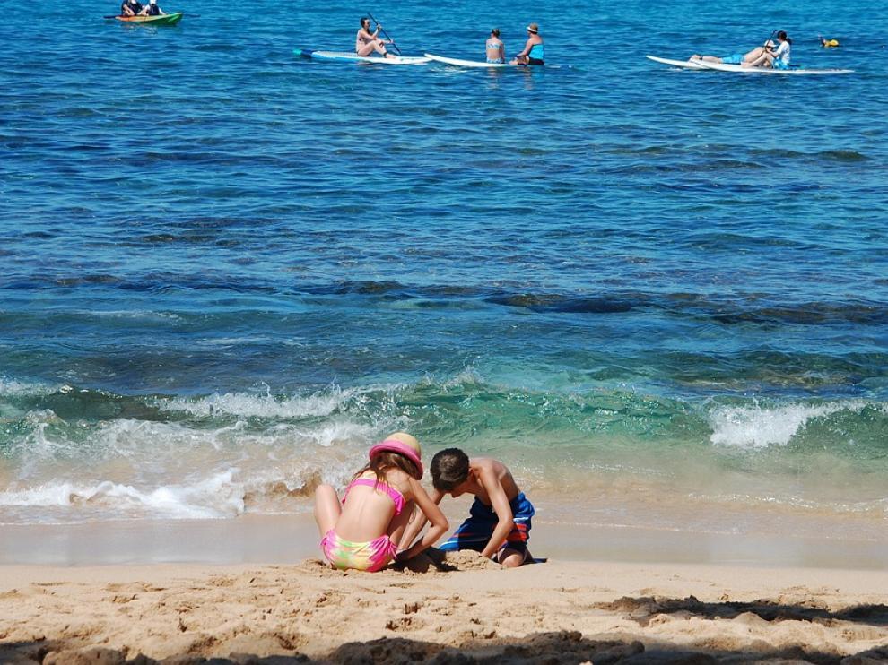 La prevención de la otitis del nadador es el principal motivo para el uso de tapones de baño.