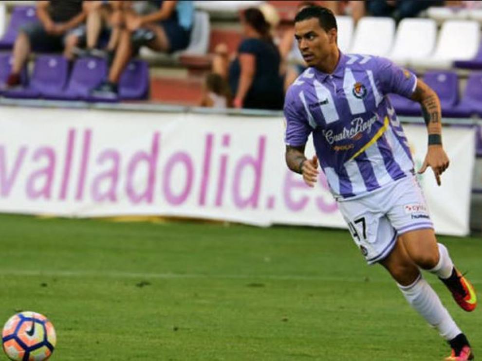 Raúl de Tomás, en un partido del año pasado con el Real Valladolid.