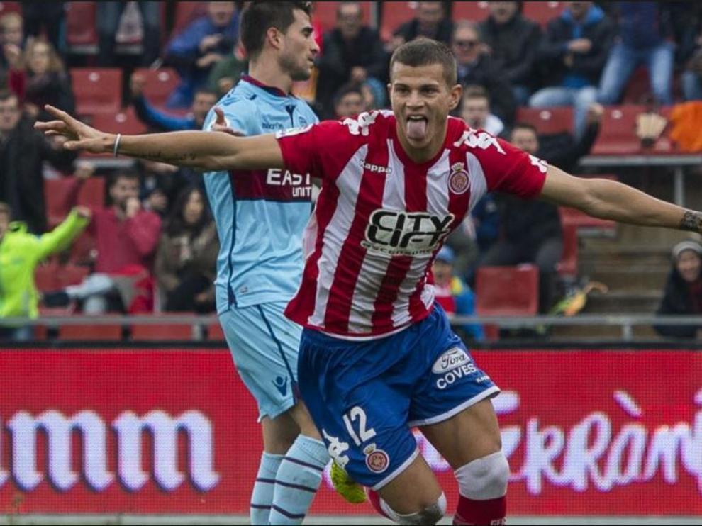 Samuele Longo celebra un gol anotado en la pasada liga con el Girona frente al Levante.