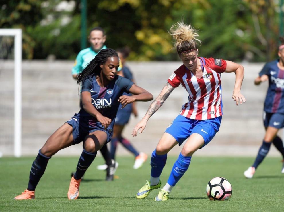 La zaragozana Mapi León, durante un partido con el Atlético de Madrid.
