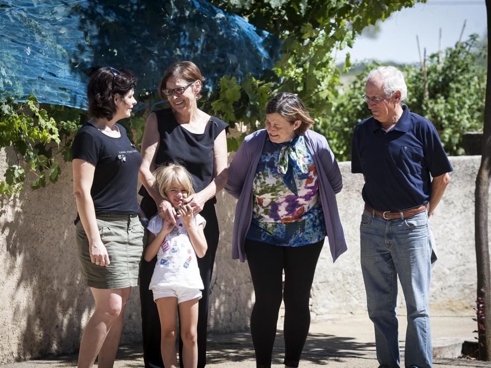 Cristina Ríos, Simonne Sablé (con su nieta), Maite Vidal y Conrado Betrán, en Alerre.