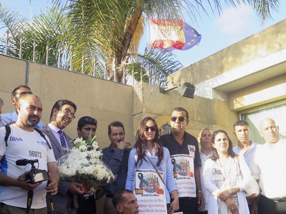 La delegación, en la Embajada Española