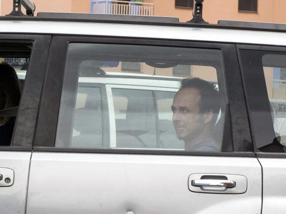 Arcuri ha accedido a las instalaciones del instituto armado en un vehículo y no ha hecho declaraciones a los medios de comunicación.