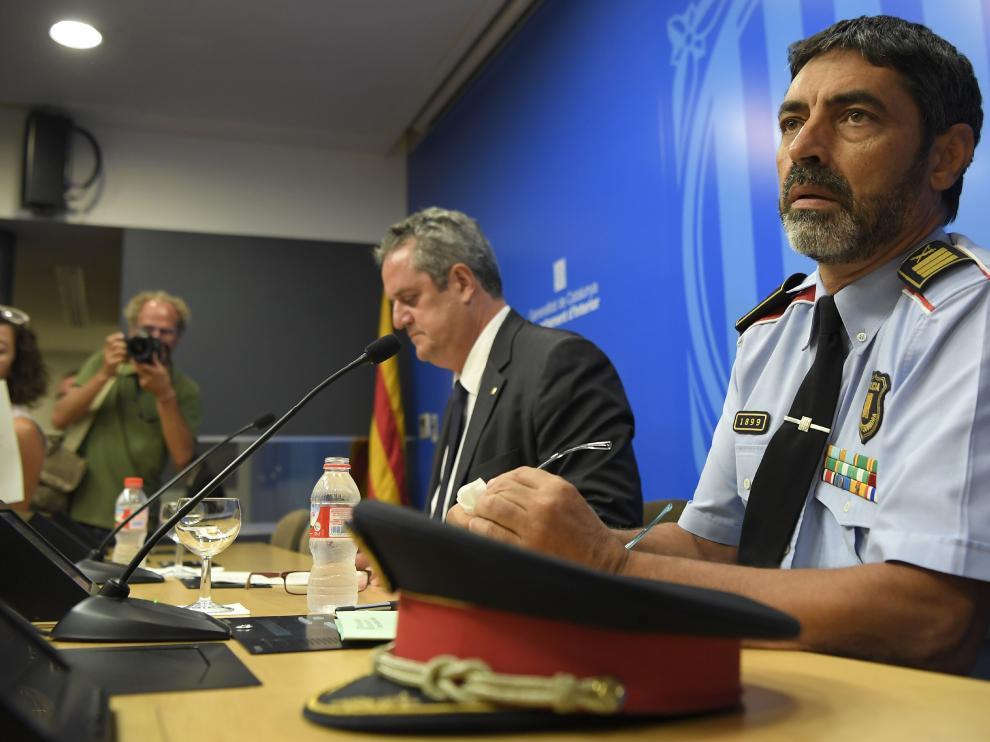 El consejerocatalán de Interior, Joaquim Forn y el mayor de los Mossos d'Esquadra, Josep Lluís Trapero.