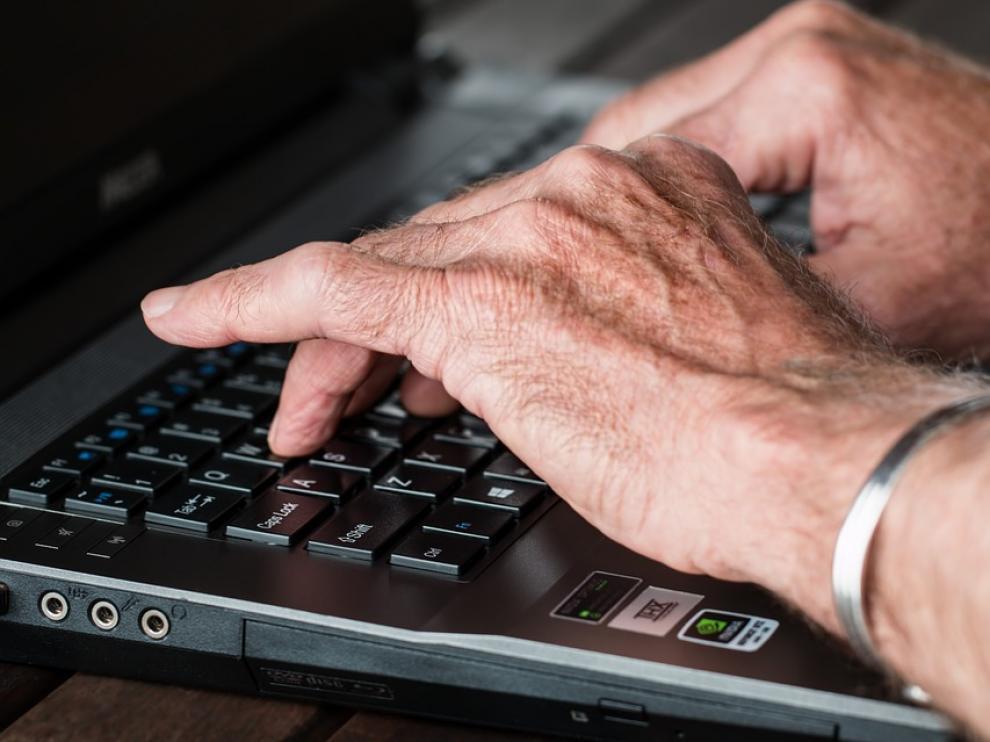 Existen estudios que defienden la viabilidad y la utilidad de las consultas por correo electrónico en Atención Primaria.